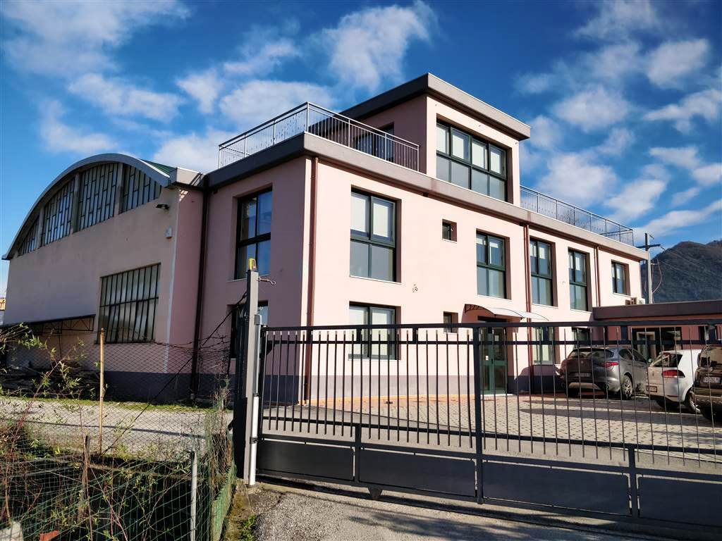 Capannone / Fondo - Industriale/Artigianale a Isola, Luni Rif. 12260627
