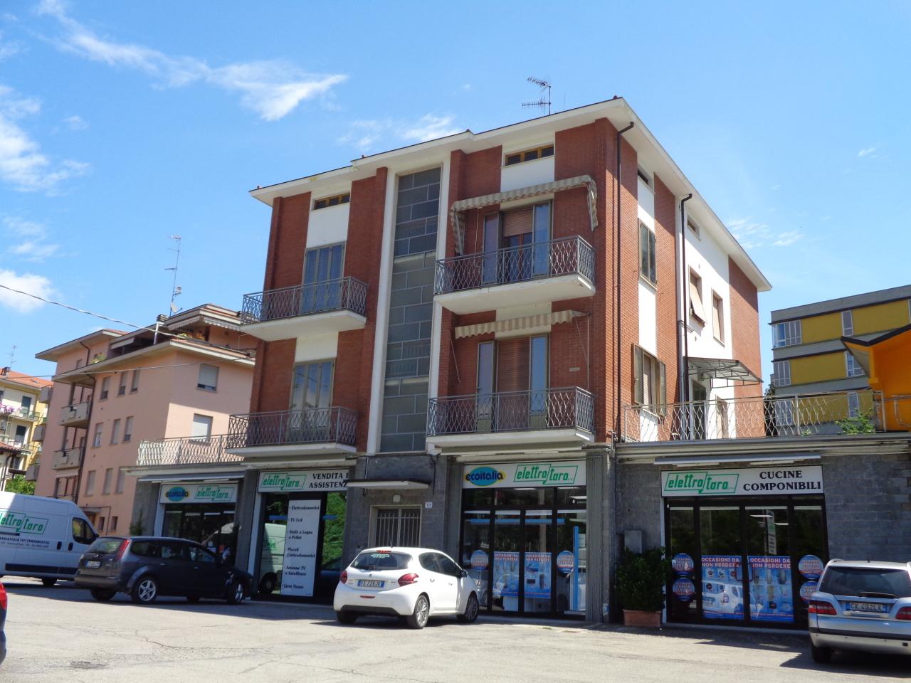 Appartamento in buone condizioni in vendita Rif. 10238079