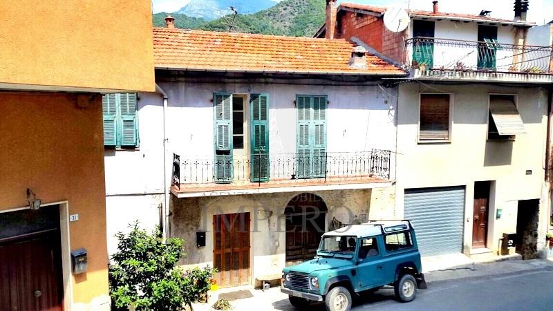 Appartamento in vendita a Castel Vittorio, 3 locali, prezzo € 38.000 | PortaleAgenzieImmobiliari.it