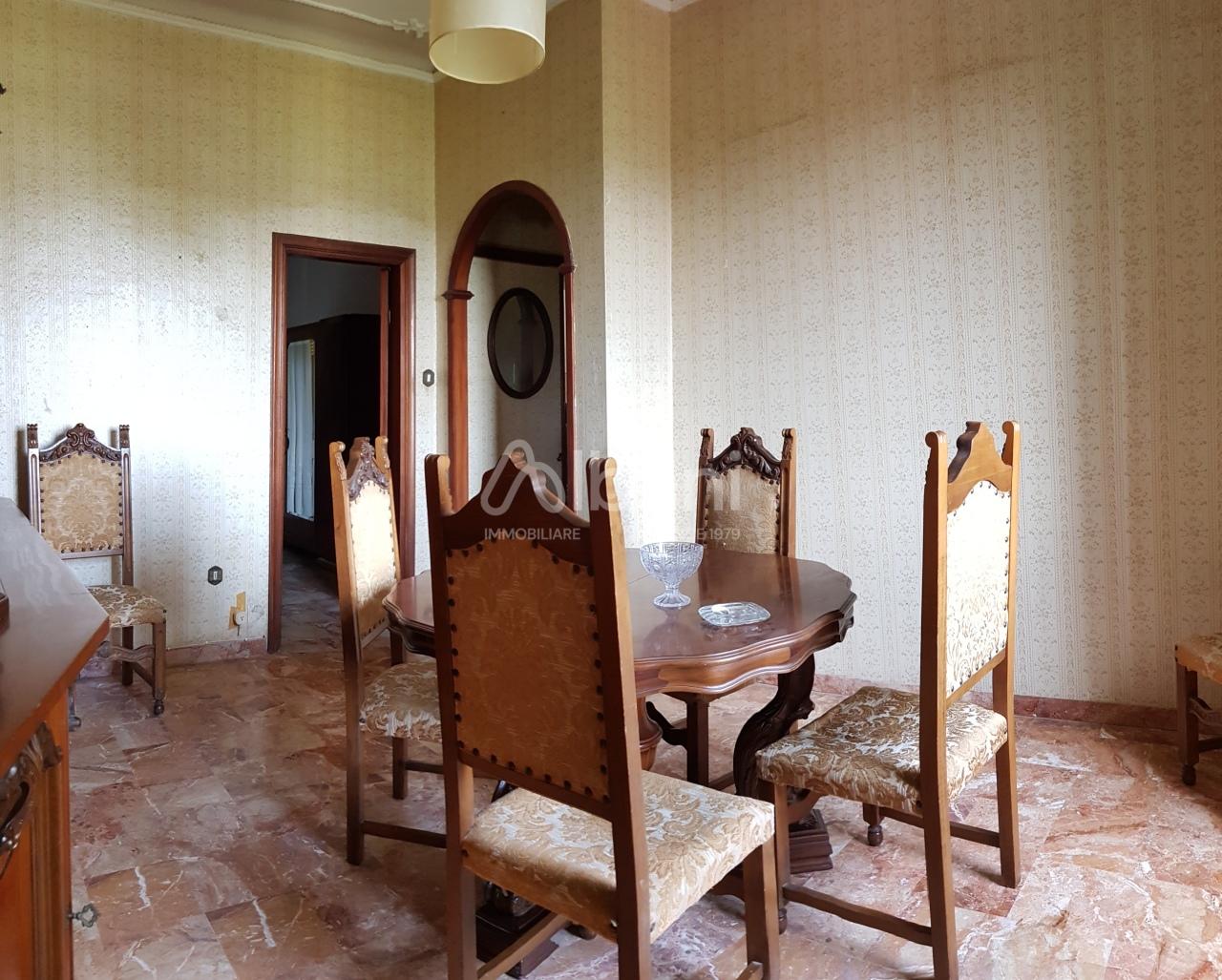 Appartamento in vendita a La Spezia, 3 locali, prezzo € 55.000 | PortaleAgenzieImmobiliari.it