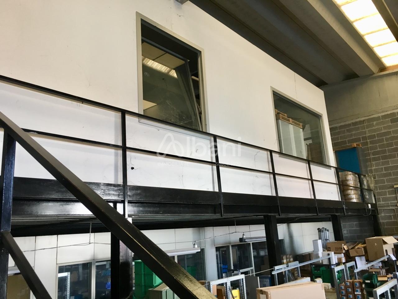 Capannone in affitto a Arcola, 3 locali, prezzo € 1.450 | PortaleAgenzieImmobiliari.it