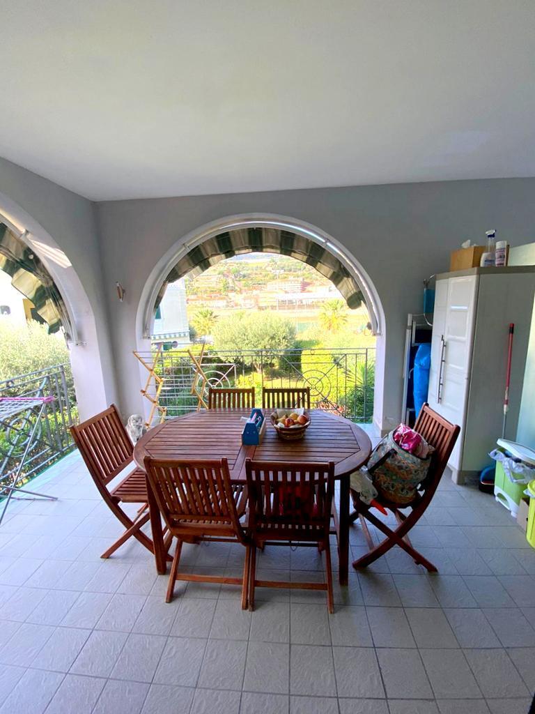 Appartamento in vendita a Taggia, 3 locali, prezzo € 190.000 | PortaleAgenzieImmobiliari.it