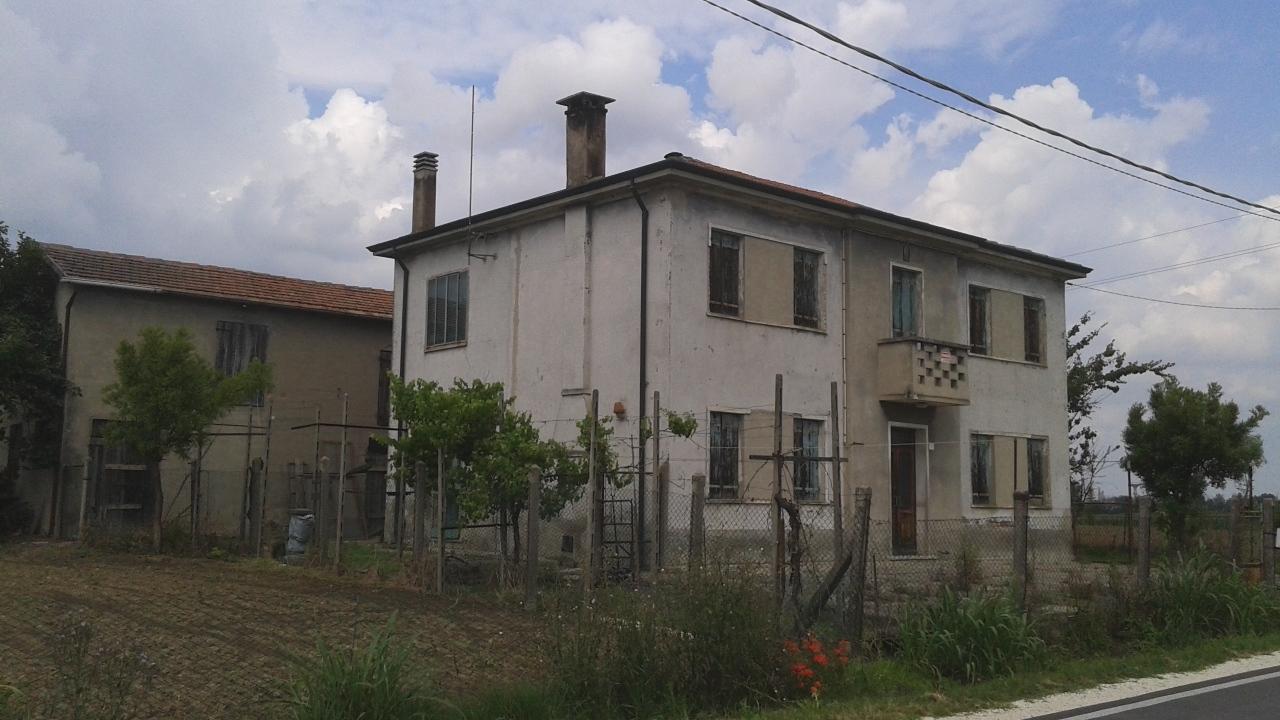 Casa Indipendente in discrete condizioni in vendita Rif. 8572820