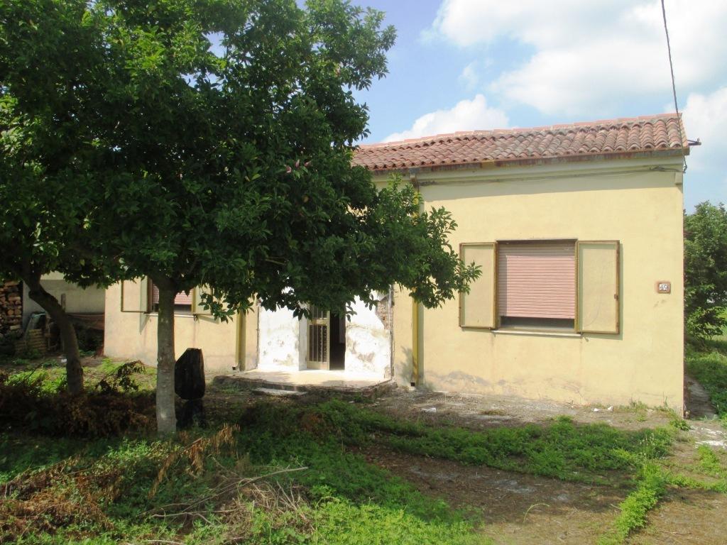 Casa Indipendente in discrete condizioni in vendita Rif. 9096084