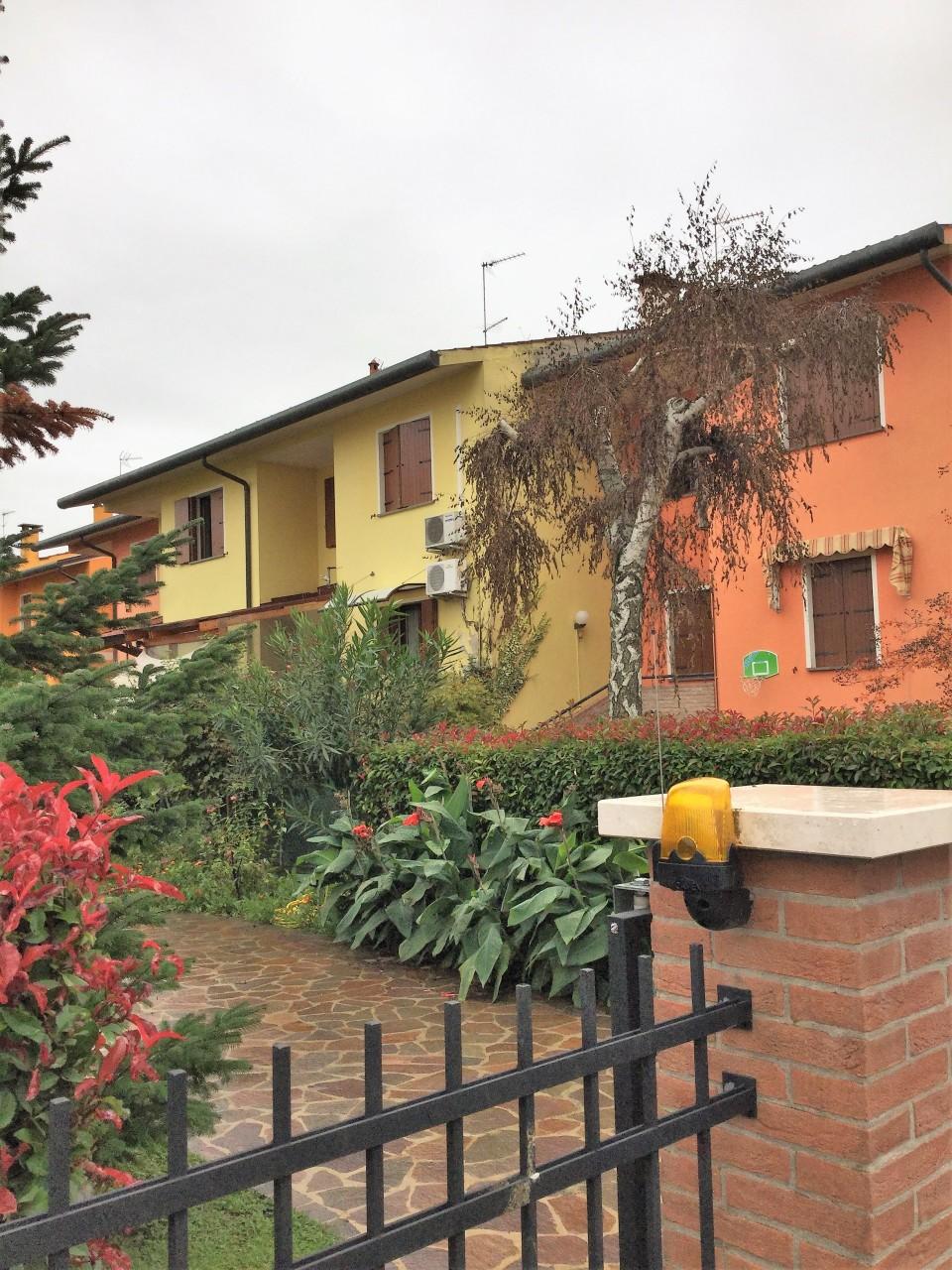 Villetta a schiera in ottime condizioni in vendita Rif. 9511149