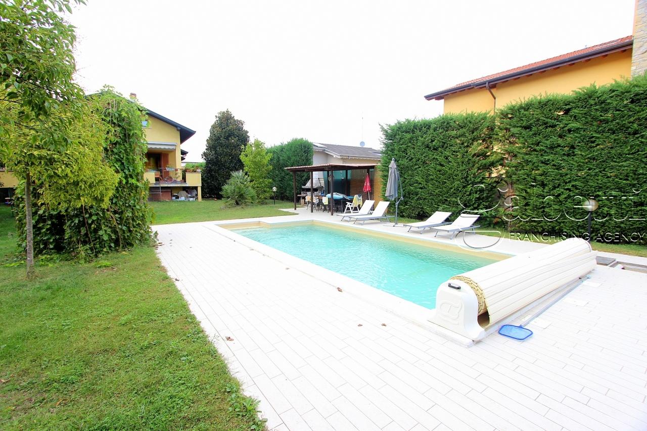 Villetta a schiera in ottime condizioni in vendita Rif. 9629786