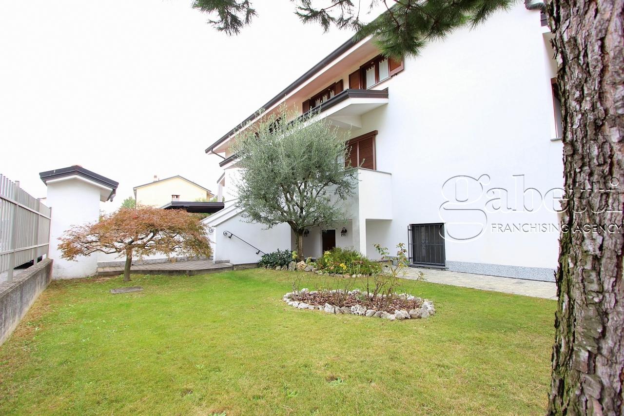 Villetta a schiera in ottime condizioni in vendita Rif. 11909856