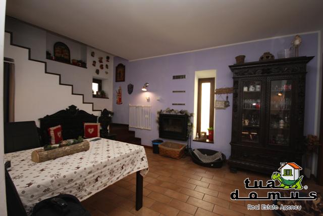 Casa Indipendente in ottime condizioni in vendita Rif. 9621127