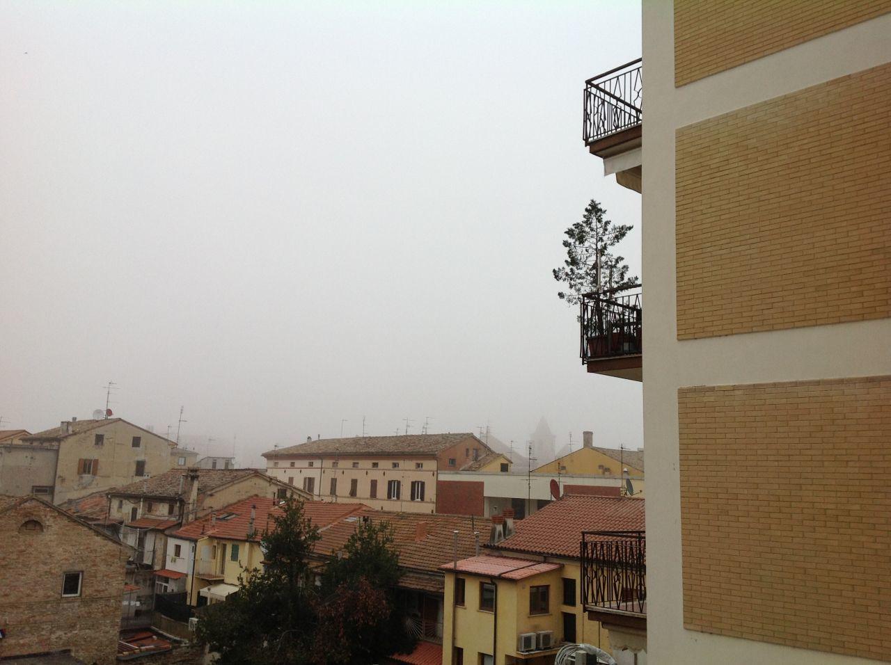 Appartamento in vendita a Chiaravalle, 7 locali, prezzo € 90.000 | CambioCasa.it