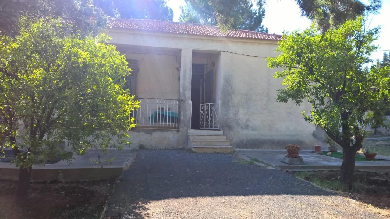 Villa da ristrutturare in vendita Rif. 9331421