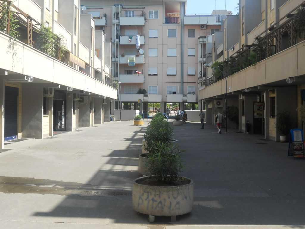 Codice ap 562 1 locale commerciale vendita a roma for Locale commerciale a roma