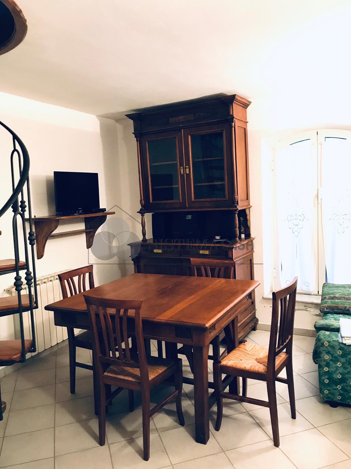 Affitto Casa di Borgo  a Bolano,  (SP) - F262