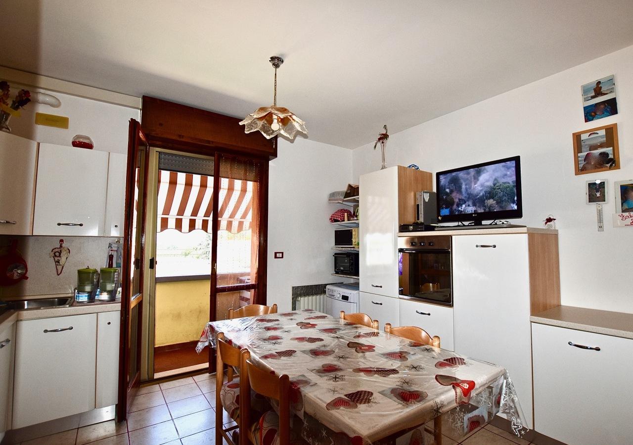 Appartamento in buone condizioni in vendita Rif. 7481574