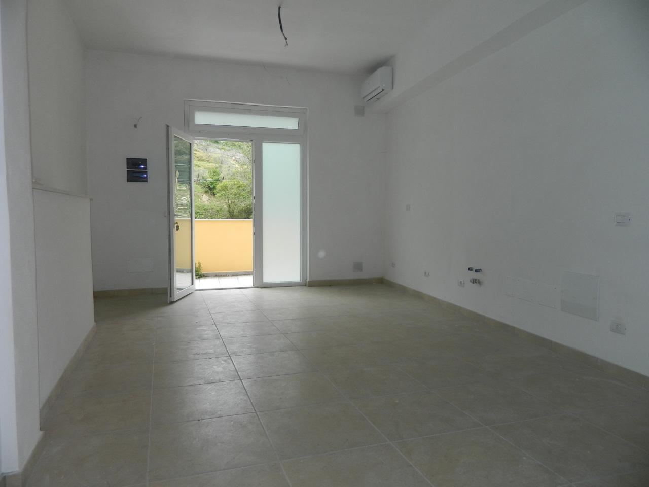 Appartamento ristrutturato in vendita Rif. 10015159