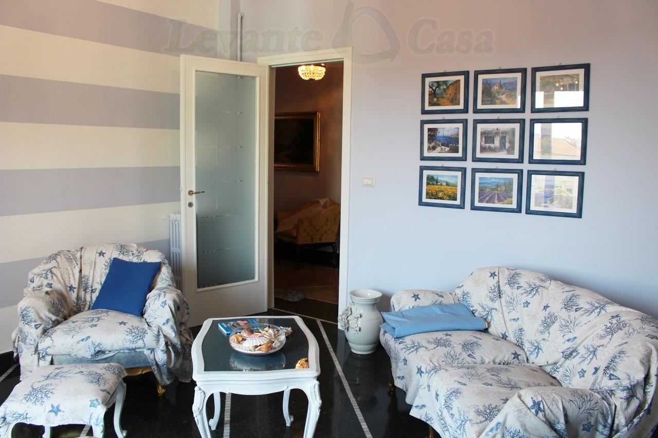 Appartamento in Affitto a Rapallo