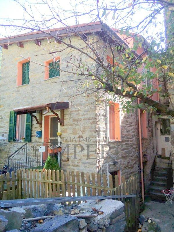 Soluzione Indipendente in vendita a Pigna, 7 locali, prezzo € 270.000 | PortaleAgenzieImmobiliari.it