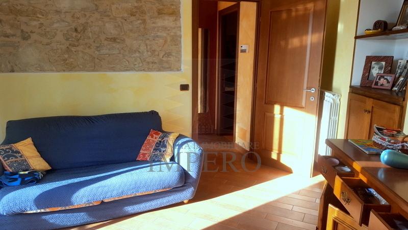 Appartamento in vendita a Perinaldo, 3 locali, prezzo € 140.000 | PortaleAgenzieImmobiliari.it