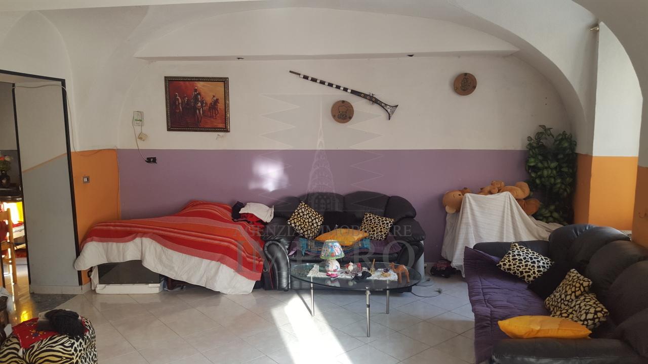 Appartamento in vendita a Ventimiglia, 4 locali, prezzo € 90.000   CambioCasa.it