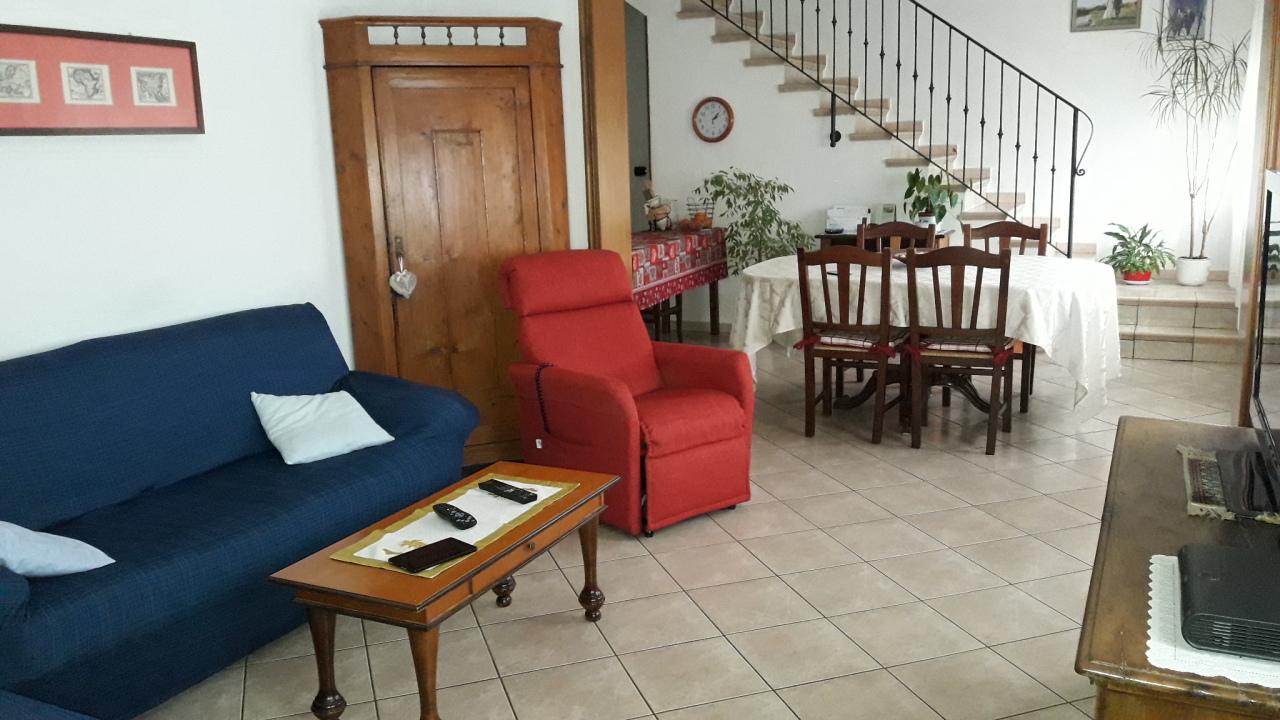 Porzione di casa ristrutturato in vendita Rif. 12364454