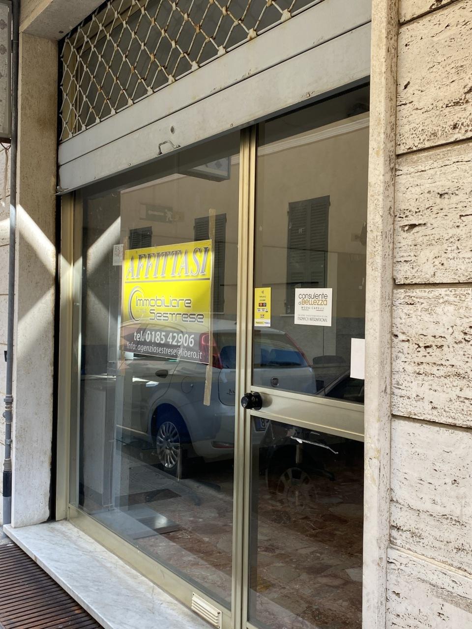 Negozio / Locale in affitto a Chiavari, 1 locali, prezzo € 500 | CambioCasa.it