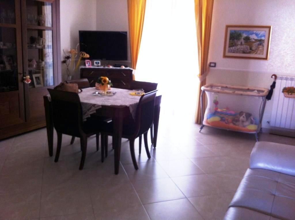 Appartamento - Quadrilocale a Hangar, Casamassima