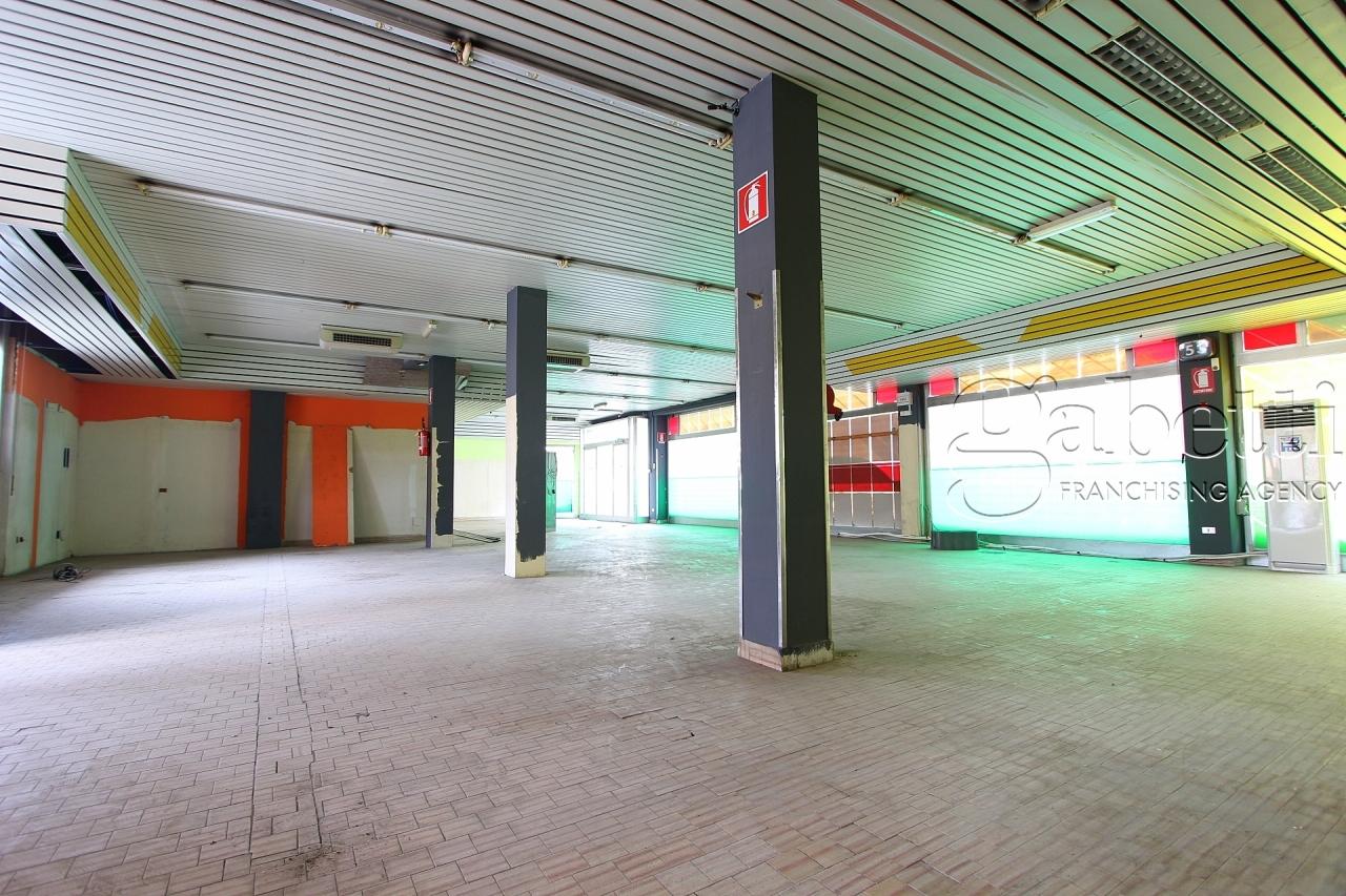 Supermercato a Nerviano Rif. 9629788