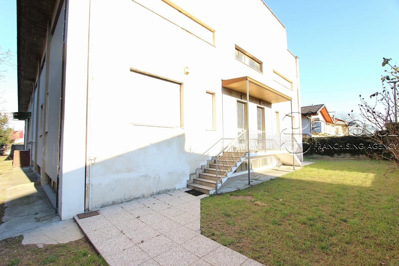Capannone in affitto a Nerviano, 7 locali, prezzo € 2.500   PortaleAgenzieImmobiliari.it