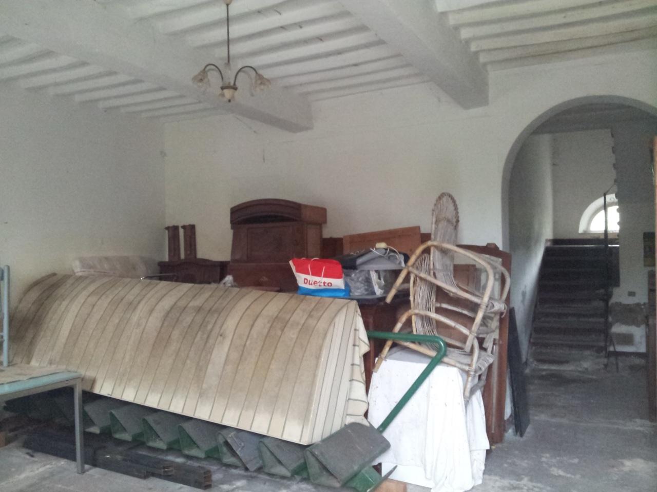 Villa in discrete condizioni in vendita Rif. 11455060