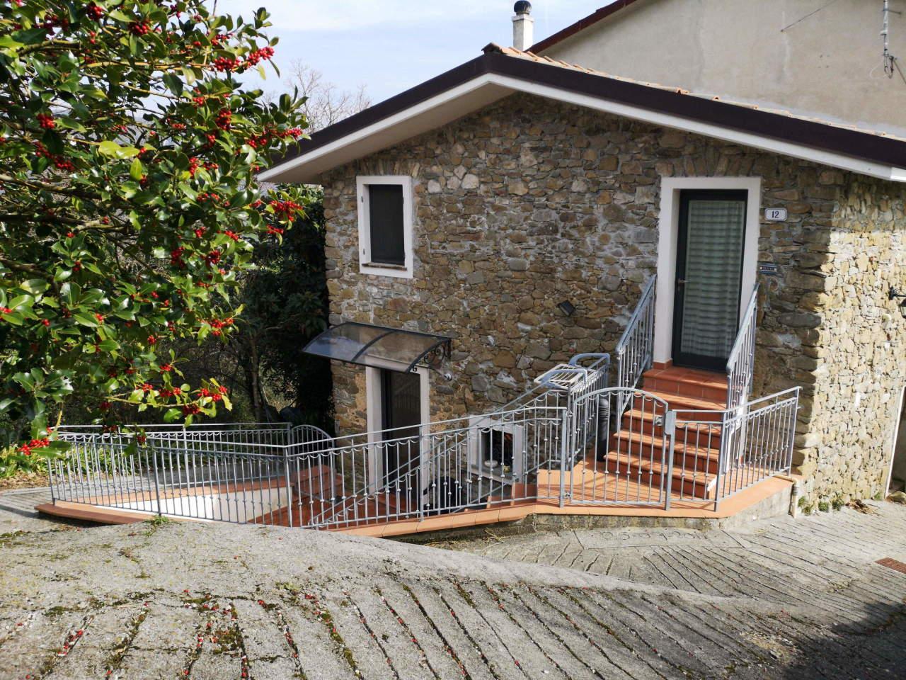 Soluzione Semindipendente in affitto a Beverino, 3 locali, prezzo € 400 | PortaleAgenzieImmobiliari.it