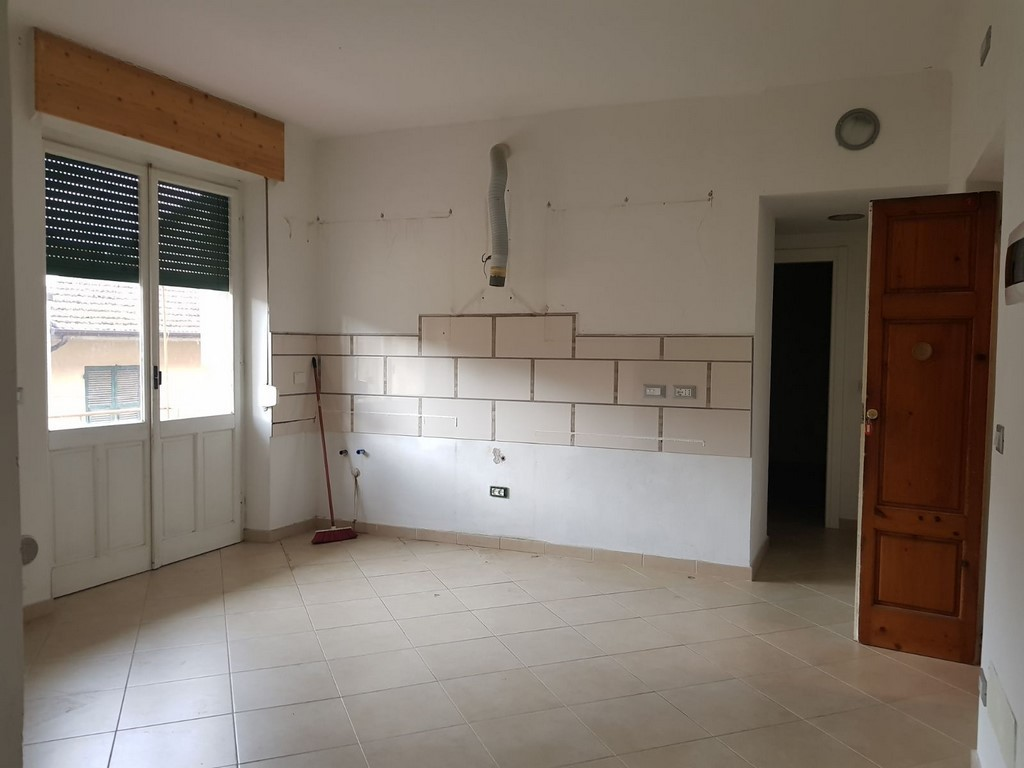 Appartamento in buone condizioni in affitto Rif. 5356115