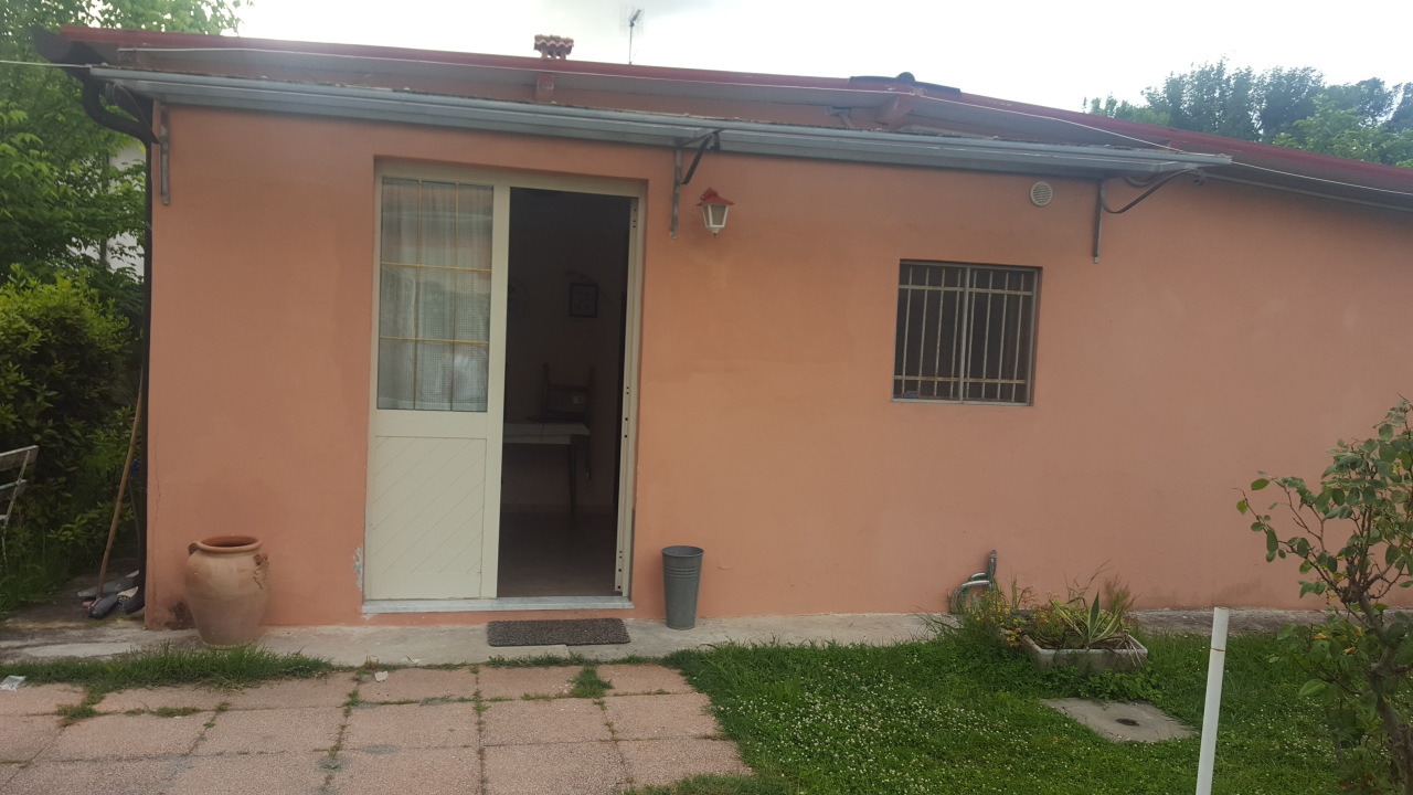 Casa Indipendente arredato in affitto Rif. 6548859
