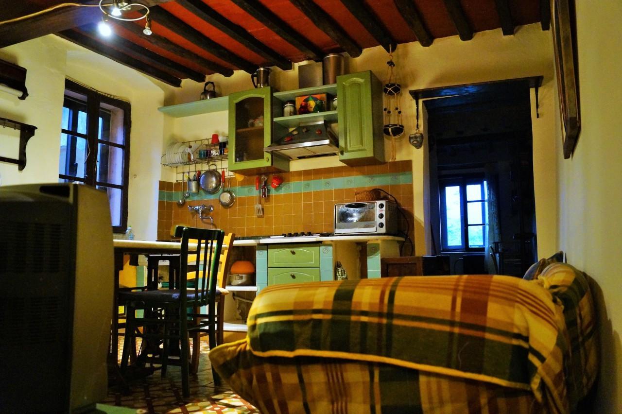 Casa Indipendente in buone condizioni arredato in affitto Rif. 11467865