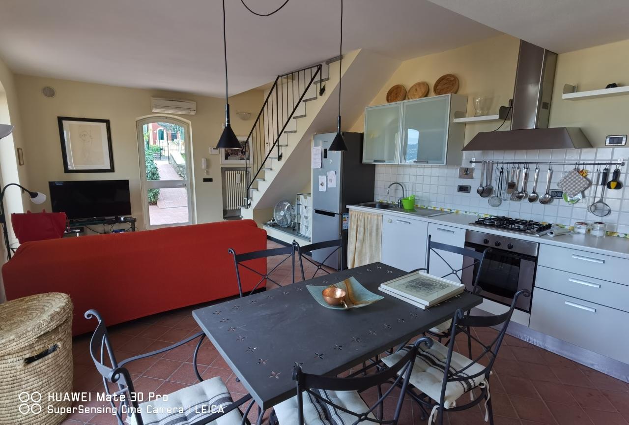Villa in affitto a Portovenere, 5 locali, prezzo € 1.400 | PortaleAgenzieImmobiliari.it