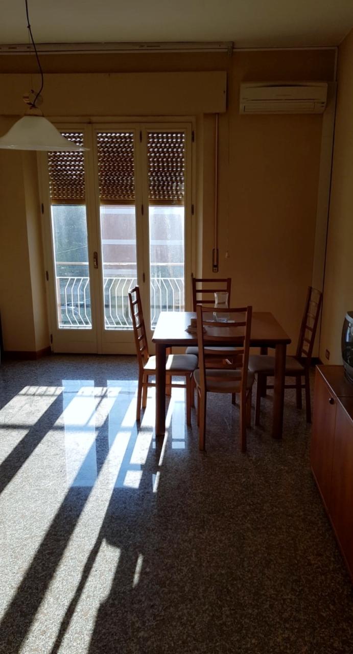 Appartamento in buone condizioni in vendita Rif. 8633242