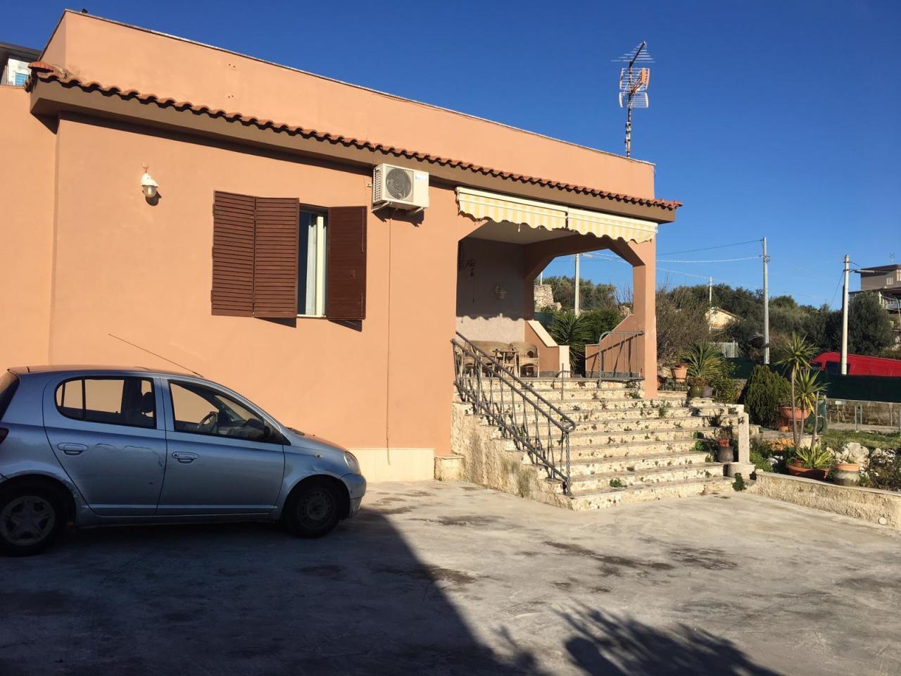 Villa da ristrutturare in vendita Rif. 9644724