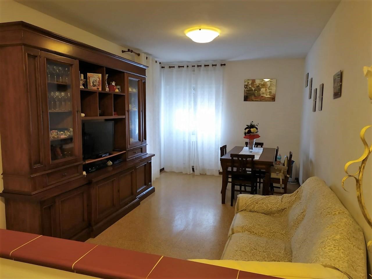 Appartamento in vendita a Fosdinovo, 5 locali, prezzo € 185.000 | PortaleAgenzieImmobiliari.it