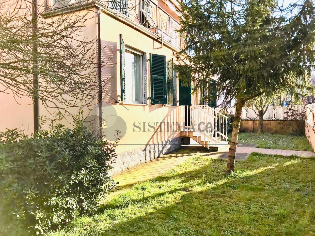 Porzione di casa in buone condizioni in vendita Rif. 12381298