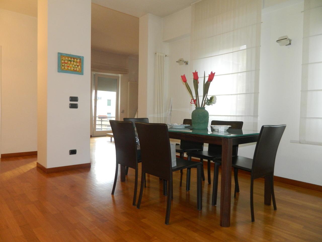 Appartamento in ottime condizioni in vendita Rif. 9889613