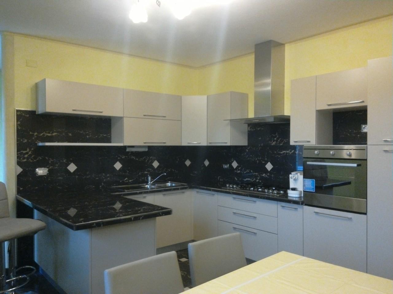 Appartamento in affitto a Bardi, 5 locali, prezzo € 450 | CambioCasa.it