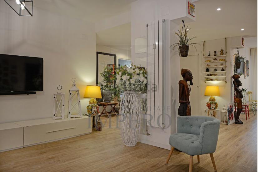 Appartamento in vendita a Ventimiglia, 4 locali, prezzo € 360.000   CambioCasa.it