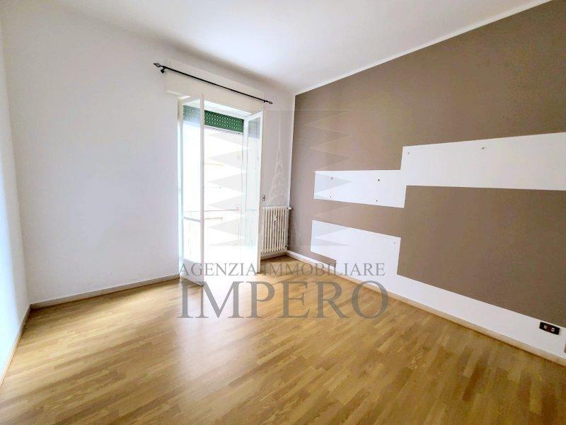 Appartamento in vendita a Ventimiglia, 5 locali, prezzo € 190.000 | PortaleAgenzieImmobiliari.it