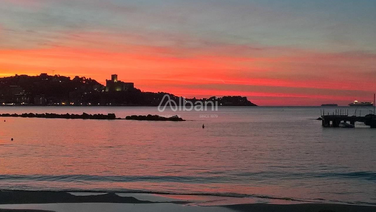 Tabacchi / Ricevitoria in vendita a Lerici, 3 locali, prezzo € 278.000 | PortaleAgenzieImmobiliari.it