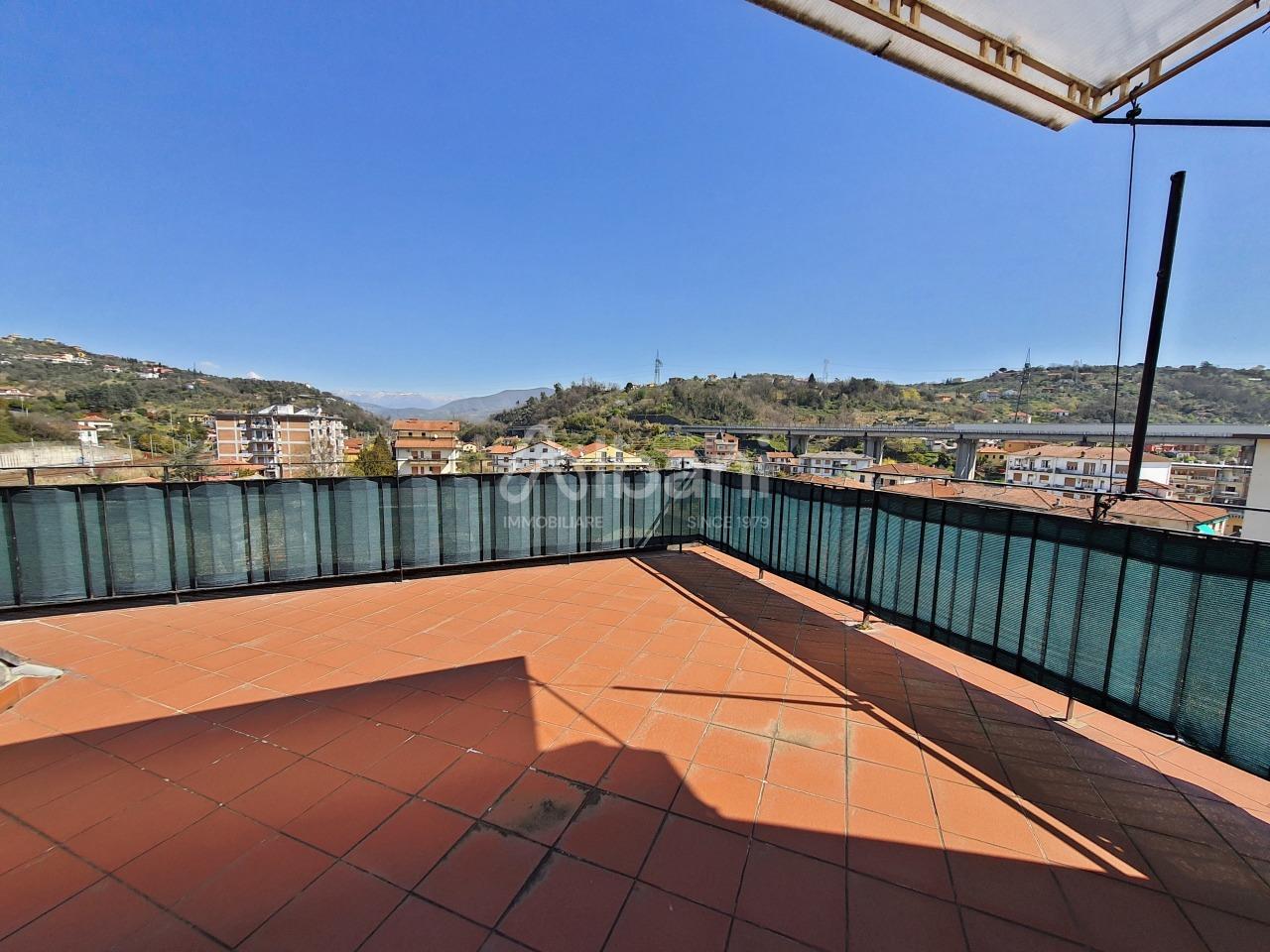 Attico / Mansarda in vendita a Vezzano Ligure, 3 locali, prezzo € 70.000 | PortaleAgenzieImmobiliari.it
