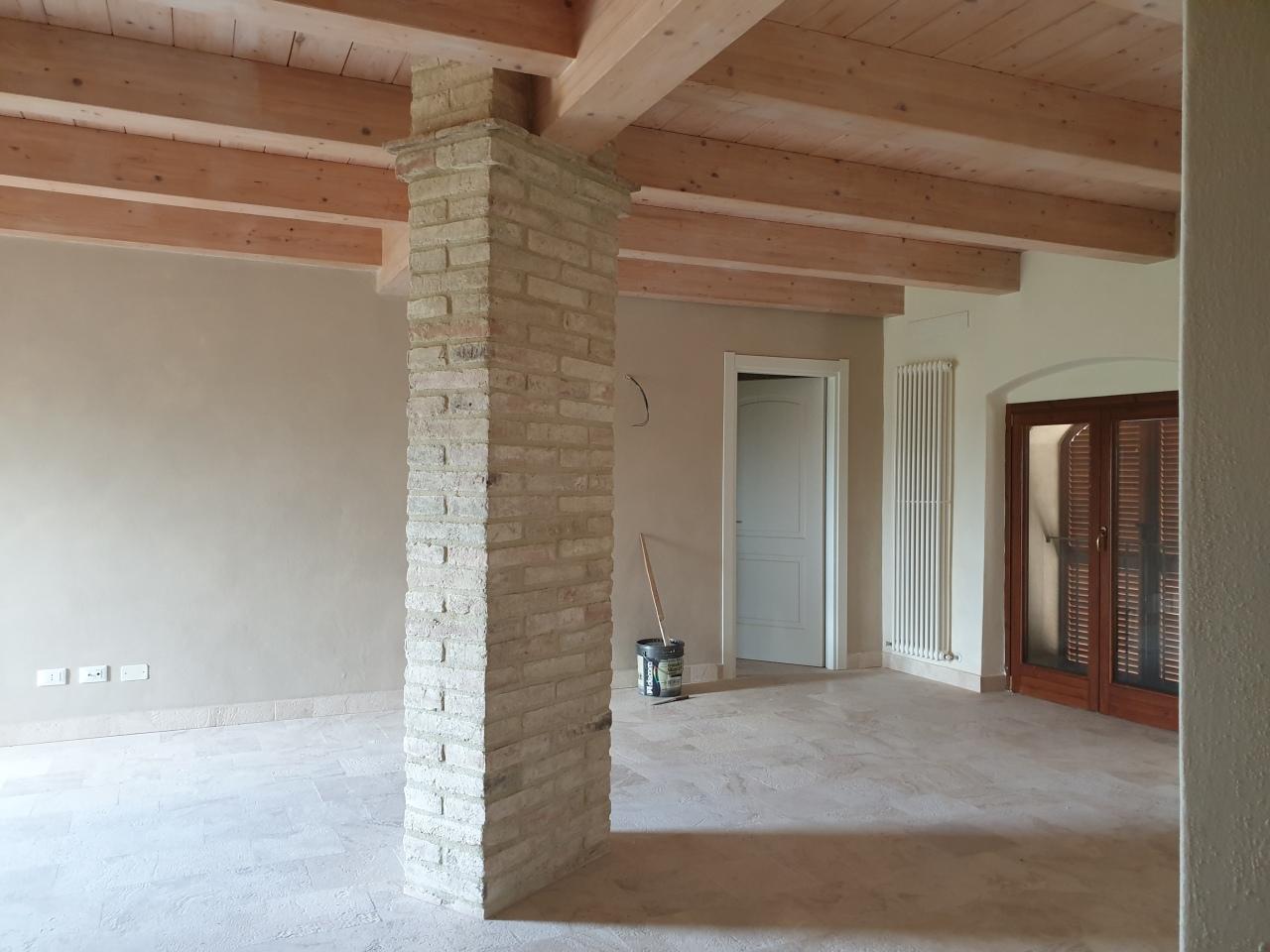 Appartamento ristrutturato in vendita Rif. 10158345