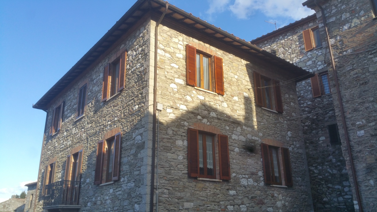 Semindipendente - Porzione di casa a Montecchio