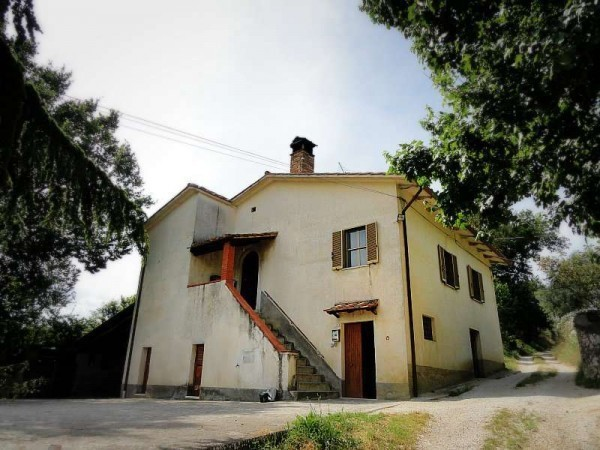 Rustico / Casale in vendita a Lugnano in Teverina, 6 locali, prezzo € 190.000 | CambioCasa.it
