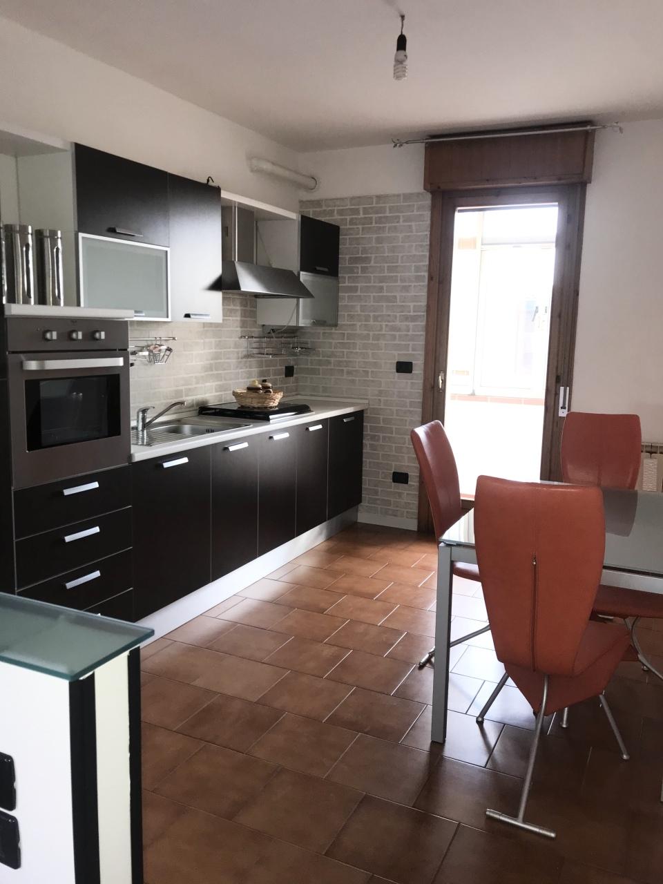 Appartamento in vendita a Villadose, 3 locali, prezzo € 65.000 | CambioCasa.it