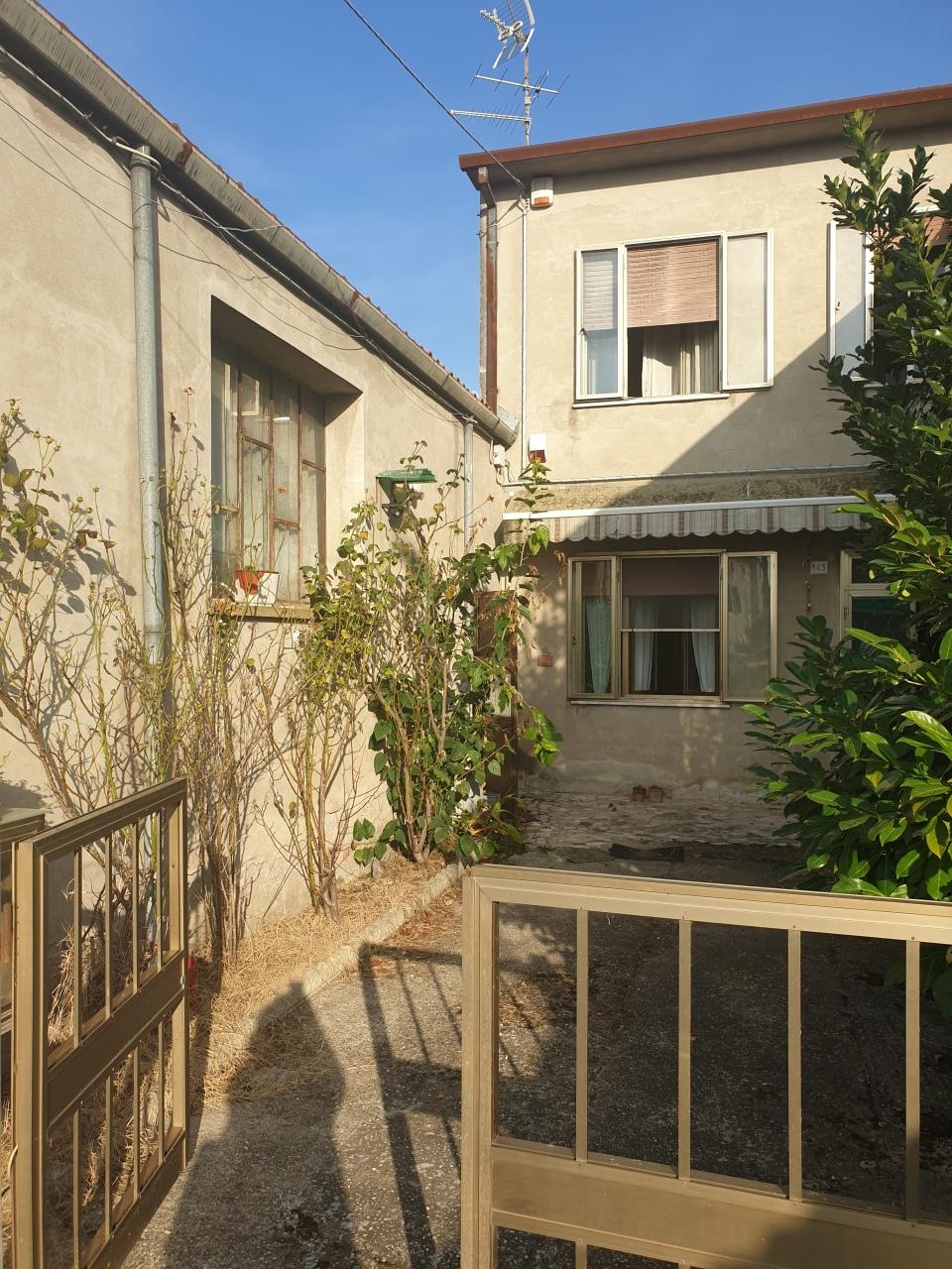 Porzione di casa in vendita Rif. 12373027