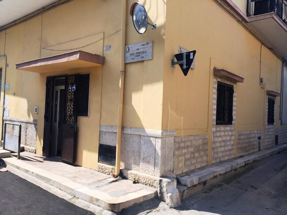 Indipendente - angolare a Bari