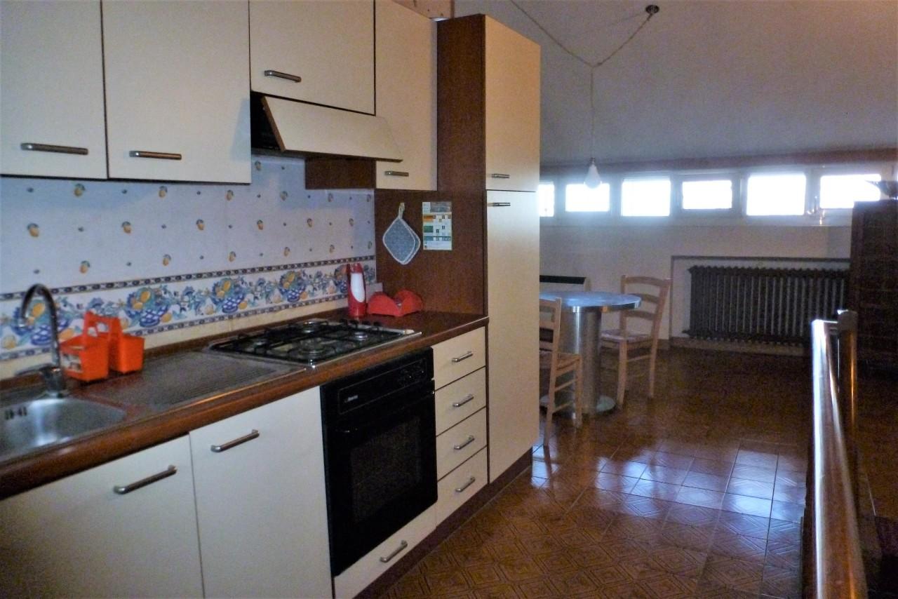 Attico / Mansarda arredato in affitto Rif. 11478725